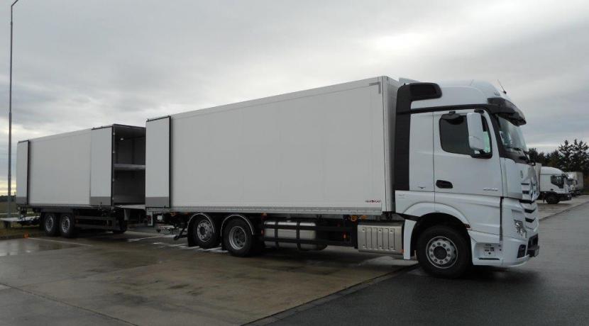 Schmitz tandem pótos tehergépjármű, dobozos, dupla rakszintes, emelő hátfalas